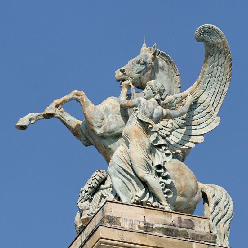 Pegasus_Lequesne_Palais_Garnier