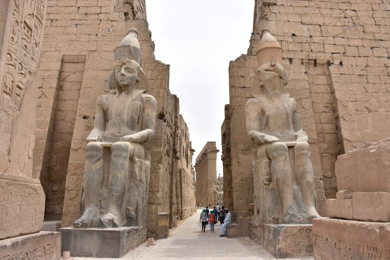 Entrance_to_Luxor_Temple,_Egypt