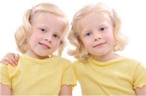 XIdentical-Twins-Yellow_jpg_pagespeed_ic_EDz36l5_te