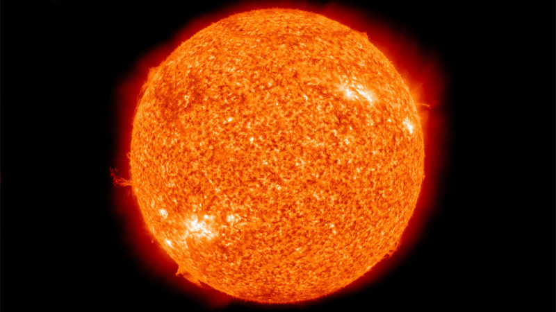 Cc_The_Sun_by_the_Atmospheric_Imaging_Assembly_of_NASA's_Solar_Dynamics_Observatory_-_20100819_16x9
